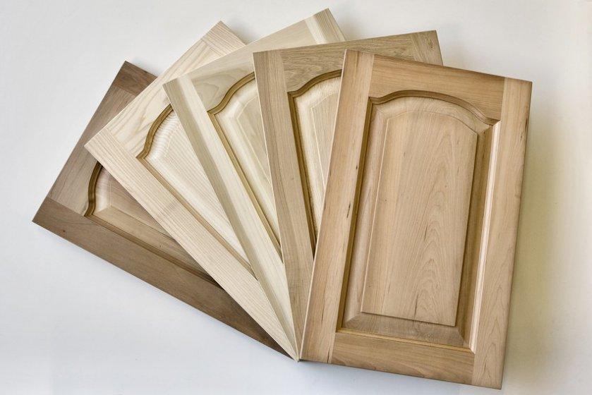 Produzione di antine da cucina in legno